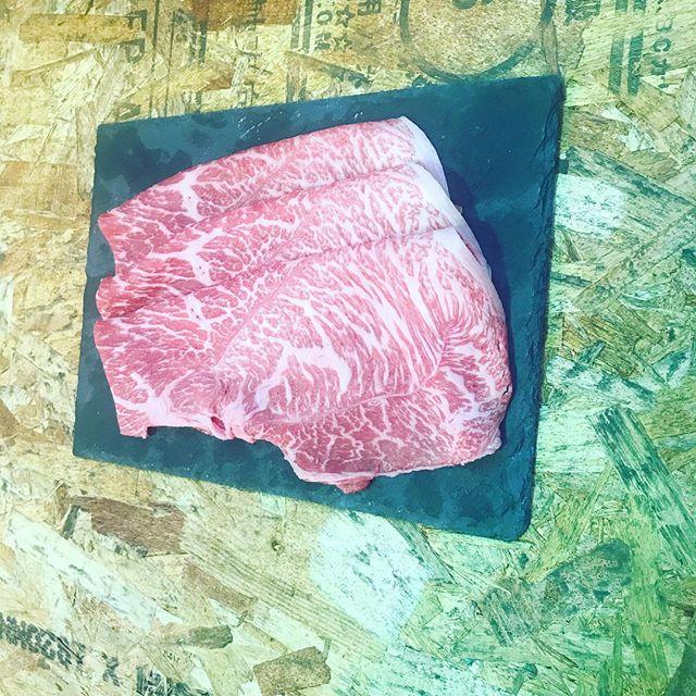 京都丸富精肉店です!9月は雨スタートですね。愛知県産国産牛のマル(モモ肉)です!黒毛和牛かなと間違えそうになるほど見事なサシです!100g499円、大変オススメです^_^#丸富精肉店#丸富#精肉店#京都#西京極#大阪#福島#THEBUTCHERSHOP#焼肉まる富#肉#肉スタグラム#焼肉#BBQ#instafood#滋賀#草津#佐賀牛#三郎牛#知多牛#熊本あか牛#オリーブ牛#一頭買い#卵#肉の丸富