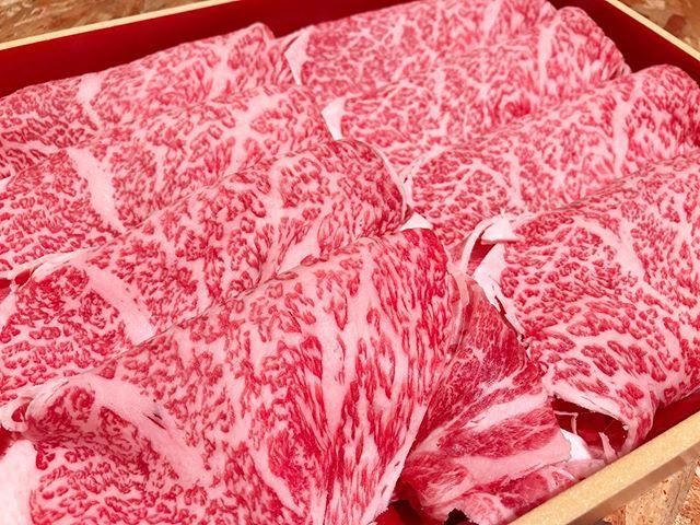 本日より松阪牛お出ししております!数に限りがございますのでお早目にお越し下さい。....#丸富精肉店#肉の丸富#精肉店#京都#滋賀#大阪#THEBUTCHERSHOP#butcher#焼肉まる富#肉#肉スタグラム#焼肉#BBQ#instafood#黒毛和牛#wagyu#佐賀牛#三郎牛#知多牛#あか牛#熊本あか牛#オリーブ牛#一頭買い #松阪牛